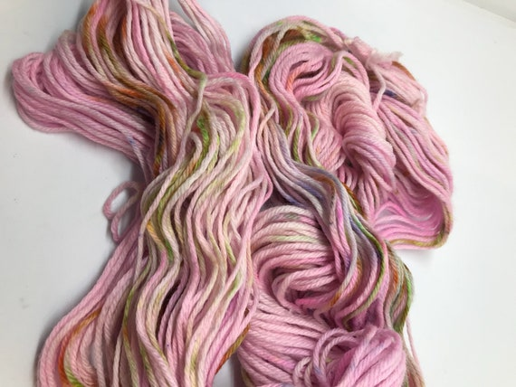 50g 100% Superwash Merino DK yarn, hand dyed in Scotland, pale pink speckles