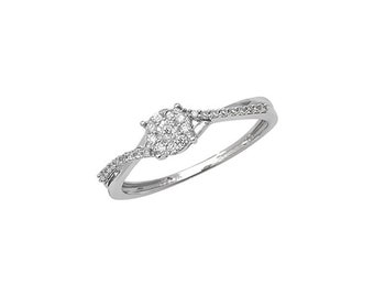 Cluster Ring With Twist Shoulders