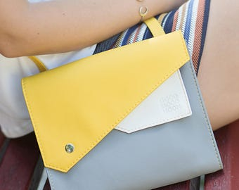 Vegan leather bag Leather crossbody bag Vegan bag Vegan messenger bag Small messenger Small crossbody bag Vegan crossbody purse Gray Yellow
