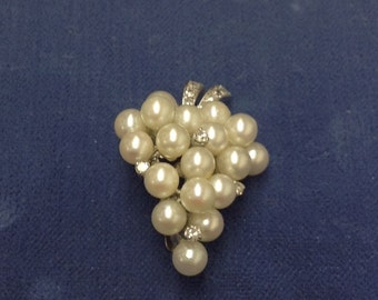 Vintage 14K brooch Stylized Bunch of Grapes in Cultured Pearls and  Sparkling Diamonds