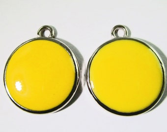 6 Vintage 27mm Bright Yellow Pendants Charms Drops Pd468