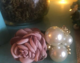 Blush Rose and Large Pearl Hair Tie