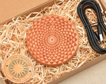 LOTUS FLOW QI Charger Wireless Charger Pad with Customized Engraved Cherry Wood