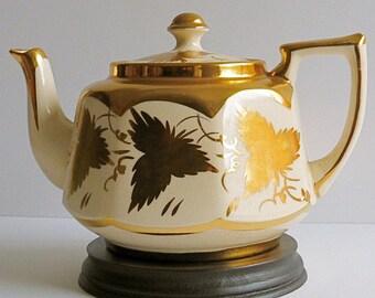 Vintage Price Bros 28 oz. Teapot, Gold Teapot, White Teapot, Grapevine Teapot, Vintage Teapot. Holiday Tea Party, Vintage Gift, Vintage Prop