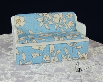 White Flowers, Blue background Couch 1:24 scale