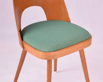 Chaise de salle à manger conçue par Oswald Haerdtl.