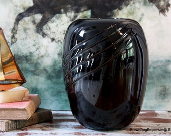 Large black Hollywood Regency vase // vintage black urn vase // Mid Century decor