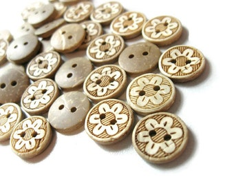 10 Coconut Shell Buttons 13mm - Daisy Flower (BC611B)
