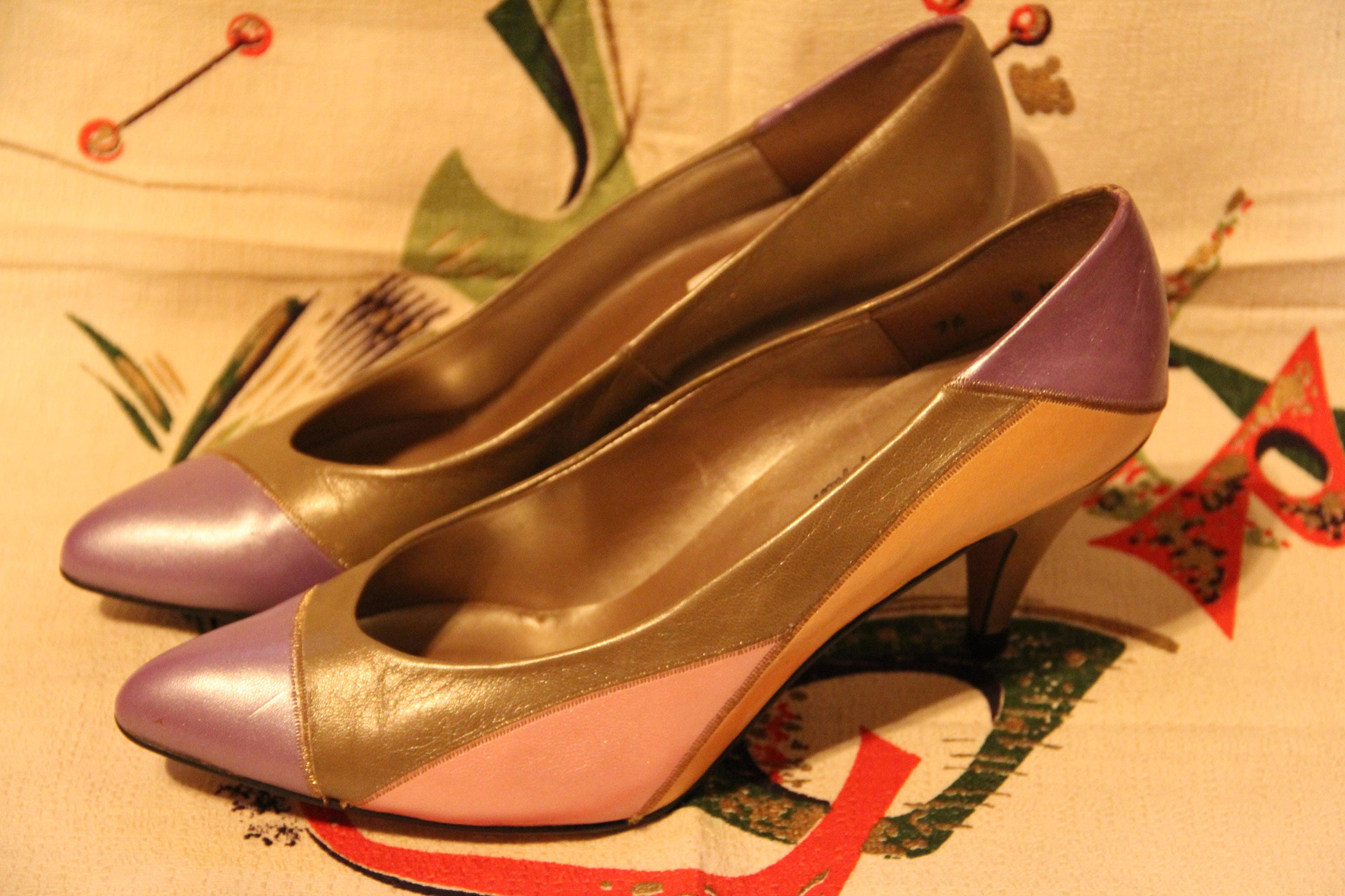 Spanish Leather Collection by Sergio Zelcer Dark Gold Leather Pumps 6 1/2 M New
