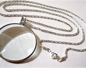 Necklace Magnify Glass Silver Tone Vintage 5x Power Round Pendant Weaved Link Chain