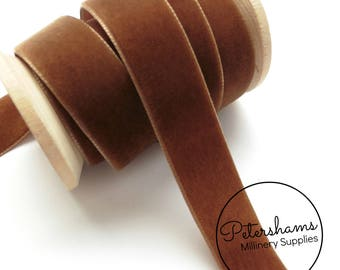 22mm Berisfords Velvet Ribbon for Millinery, Hat Trimming & Crafts 1 metre (1.09 yards) - Tabac Brown (9539)