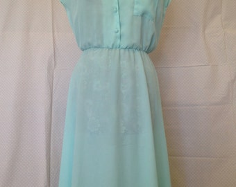 Pretty floaty 70's tea dress. Size 12
