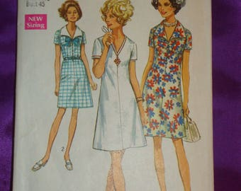 1970s 70s Vtg Half Size Plus Size A Line Dress w V Neck Short Sleeves Knee Length Collarless View ONLY Simplicity 8751 Bust 45 US 115 CM