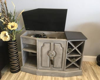 Upcycled Stereo Cabinet turned Dry Bar