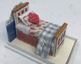 DOLLS HOUSE MINIATURES - Hand Made Single Bed - Vera - 1/48th (1/4inch bed)