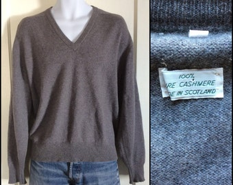 Vintage 1980's Pure Cashmere Pullover V neck Sweater made in Scotland size Large Simple Classic