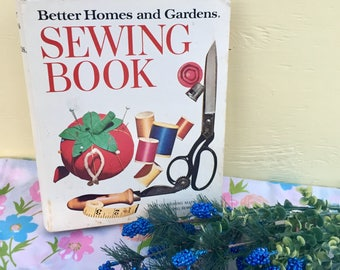 Vintage 1970s Better Homes and Gardens Sewing Book, Vintage Sewing Book, How-To Sew Book, Sewing Guidebook