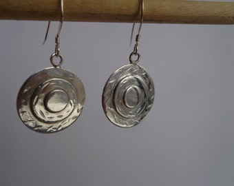 Silver .925 disk earrings.