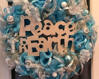 Holiday door or wall wreath