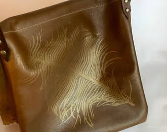 Feather Crossbody in Gold