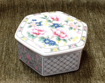 Takahashi Porcelain Floral Trinket Box, Six sided Porcelain Box, Jewelry Box, Trinket Box, Japan, Floral China Box