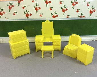 "MARX BEDROOM SET, 1950's, Hard Plastic, Sunny Yellow,  5 Pieces, Traditional 1/2"" Scale, Vintage Tin Dollhouse Furniture"