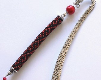 Bookmark red pearl.