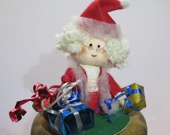 Mrs Santa Claus Cake topper - custom handmade felt doll ornament sculpture for Christmas made to order - Hand Made in France