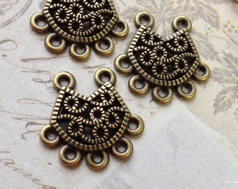 18 x 18 mm Antiqued Bronze (One-Sided) Curved Thick 2-5 Holes Filigree Connectors (.am).