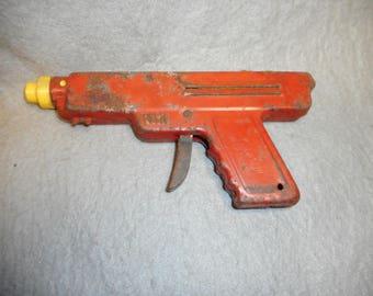 Vintage WYANDOTTE TOYS repeater water pistol