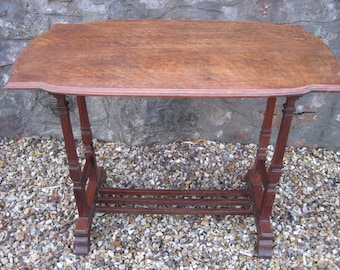 Vintage Oak Arts and Crafts Table