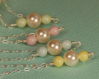 Collier de perles pastel, cadeau de naissance, nouvelle maman cadeau, cadeau pour la mère, Swarovski Perle en argent Sterling, délicat collier, cadeau de Pâques