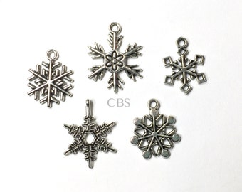5/10/20 Assortment of Snowflake Charms or Pendants. Silver tone metal frozen winter snowflake charms. DIY Jewelry Supplies, Charm Necklace
