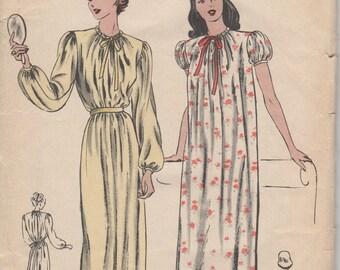 Bust 34-36 1940's Misses' Nightgown Vogue 5571 Sz Medium