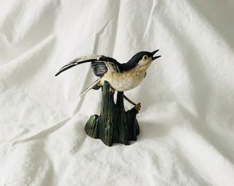 Vintage Mocking Bird Figurine Mid Century Goto Japan Fine Porcelain Great detail farmhouse collectible display bird