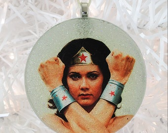 Wonder Woman - Lynda Carter glass and glitter ornament