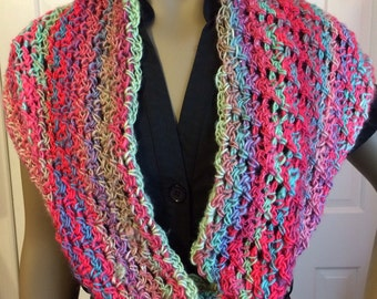 Scarf/crochet scarf/spring colors/gift for her/loop scarf/winter scarf/crochet cowl/crochet circle scarf/crochet clothing/loop scarf