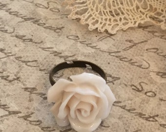 Cream Rose Cabachon Ring