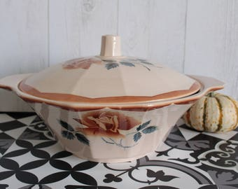 Vintage tureen roses from the 40s. DIGOIN-SARREGUEMINES. France.