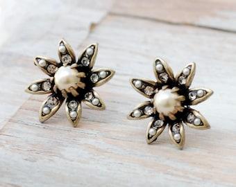 Pearl Earrings, Bridal Earrings, Flower Earrings, Bridesmaid Gift, Wedding Earrings, Bridesmaid Earrings, Wedding Jewelry, Bridal E1128