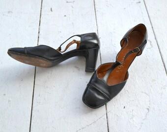 1950s Evins Black Leather T-Strap Heels