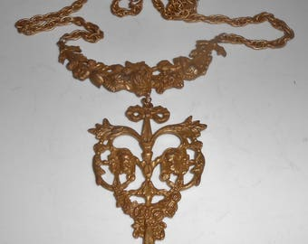 1970's Lariat Necklace Rococo Flowers Floral Antiqued Gold Tone