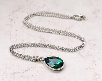 Emerald Green Necklace, Green Rhinestone Teardrop Pendant, Dark Green Jewel, Estate Style Jewelry, Silver Tone Chain, Fashion Jewelry