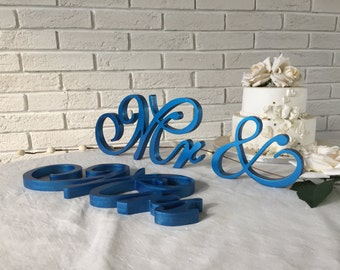 Rustic wedding centerpiece Mr & Mrs sign, table sign in Blue metallic, Peach color, wedding decoration, rustic decor for a wedding