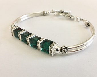 May birthstone bracelet, emerald green birthstone jewelry, mothers bracelet, bridal jewelry, customized bridesmaid , personalized bracelet