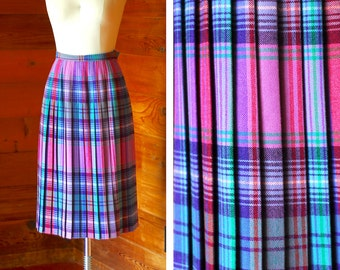 vintange Scottish colorful plaid wool skirt / size small