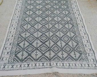 Big Kilim rug,white and green rug, Vintage Turkish kilim rug, area rug, kilim rug, , vintage rug, bohemian rug, Turkish , morrocan rug.