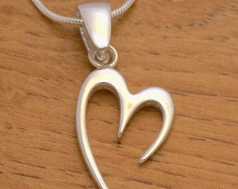 Gently Sterling Silver Lovely Fancy Heart Pendant 925 Hallmark Charm Beautiful Cute Elegant Design Marvelous Incredible Handmade Handcrafted