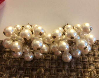 Pearl Cluster Dangle Clip Ons