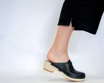 Swedish Clog Mules for Women | Handmade Slip-in Natural Leather Shoes with Comfortable Wooden Base |  Sandgrens Low Heel Tokyo